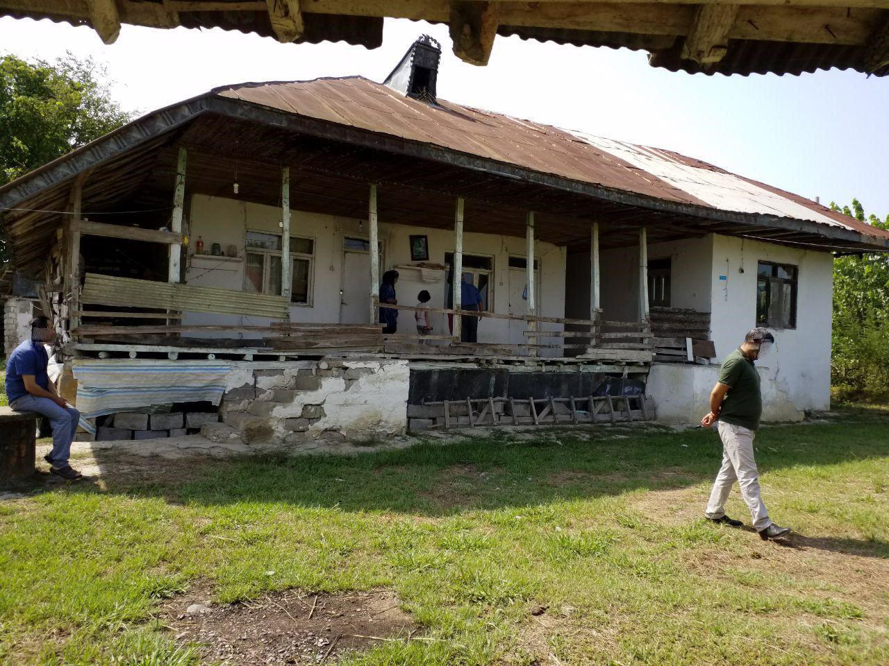 فروش خانه روستایی با زمین 3000 متری سیاهکل