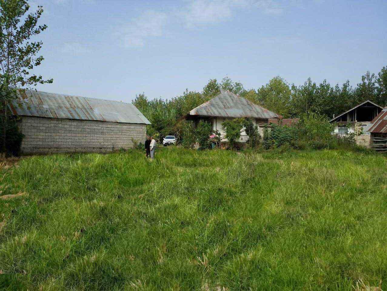 فروش فوری خانه با ۲۰۱۱ متر زمین لاهیجان