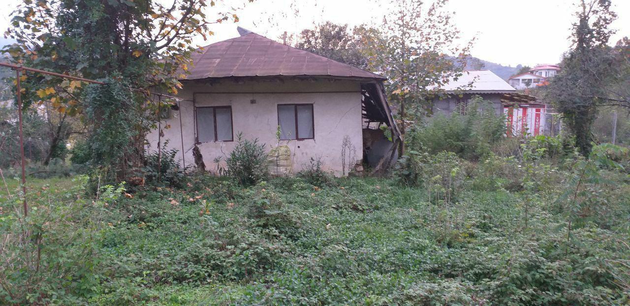 فروش خانه روستایی 2100 متر زمین لاهیجان