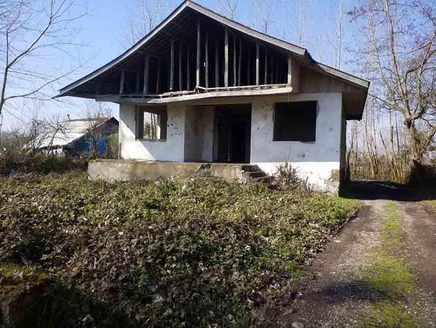 فروش خانه آجری کلنگی 900 متر ارباستان لاهیجان